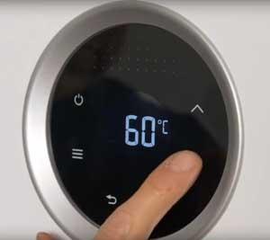 Gracias al panel digital, solo tiene que seleccionar los grados centígrados de salida del agua y para memorizarla hay que mantener pulsado OK durante dos segundos.